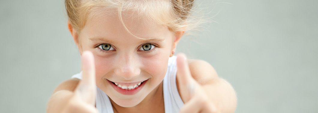 Jak pomóc dziecku zdobywać pewność siebie? - ilustracja