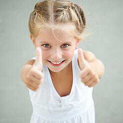 Jak pomóc dziecku zdobywać pewność siebie? - okładka