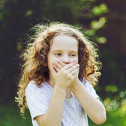 Biegunka połączona z wymiotami u dzieci – jak działać? - okładka