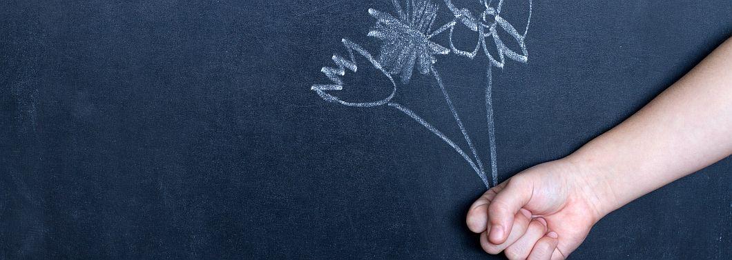 Co dać nauczycielowi na prezent? - ilustracja