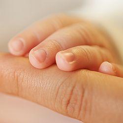 Dlaczego warto oglądać dzieciom paznokcie? - okładka